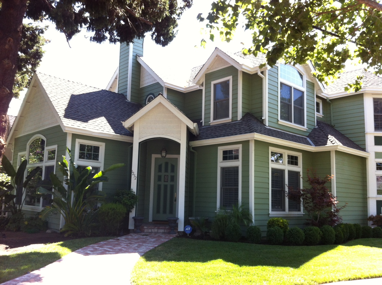 Extreme makeover flowers edition exterior house paint well it 39 s green - Exterior home painting pictures paint ...