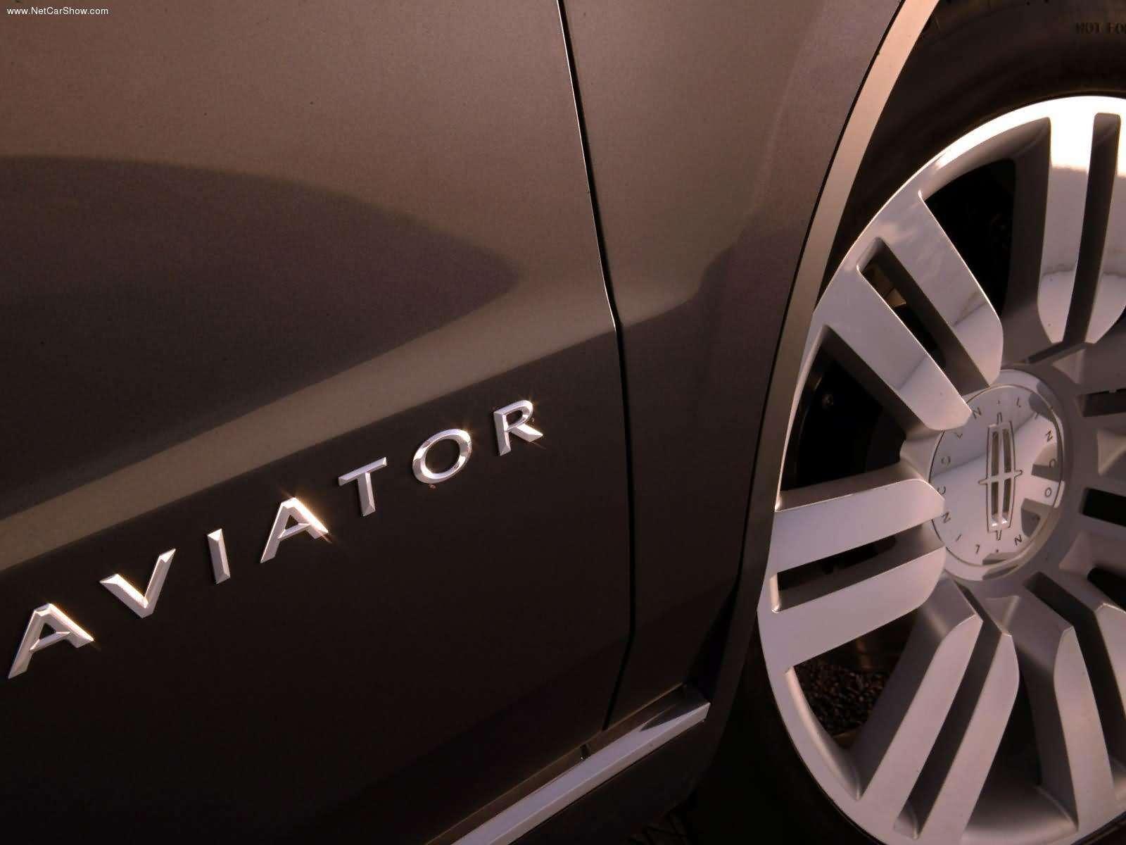 Hình ảnh xe ô tô Lincoln Aviator Concept 2004 & nội ngoại thất