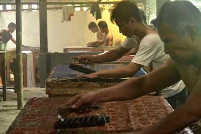 Proses pembuatan batik
