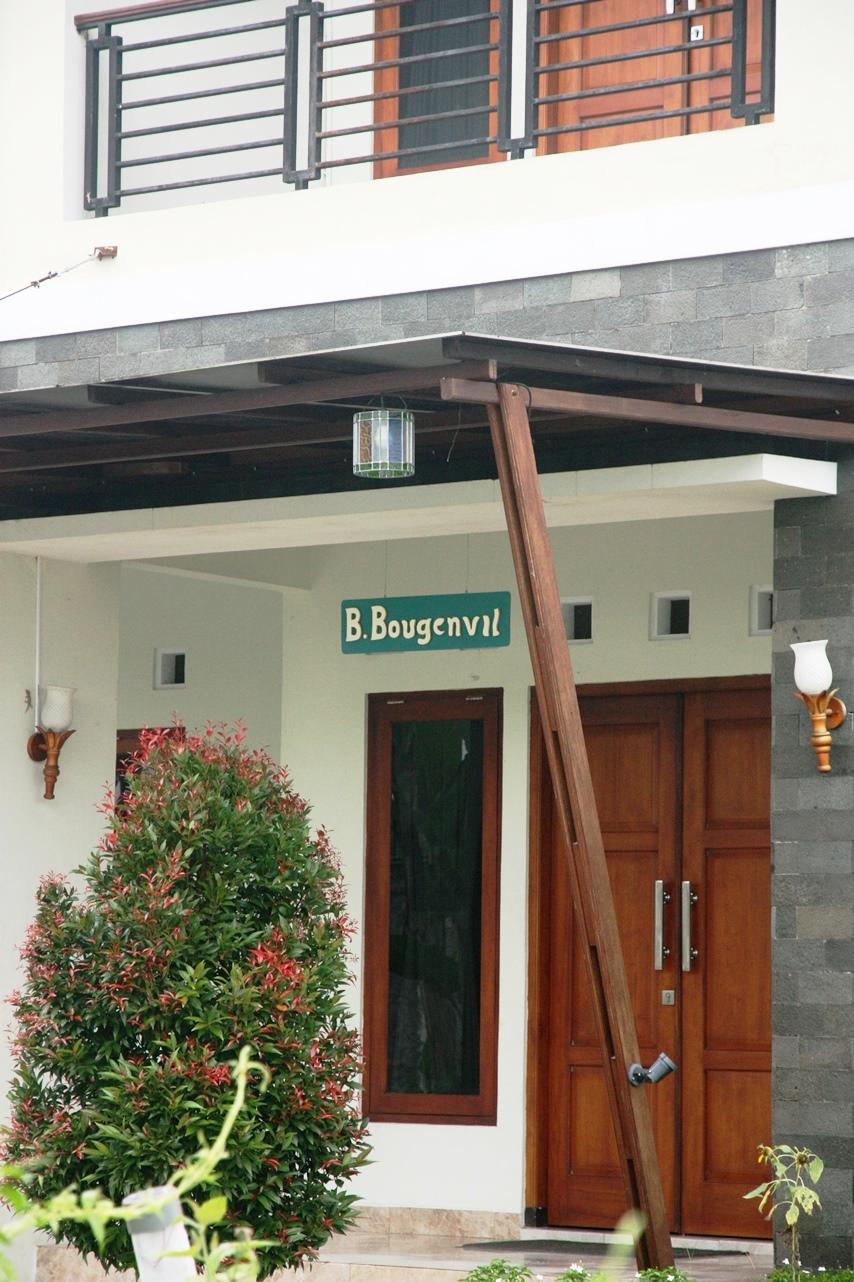 Bunga Bougenvile Homestay