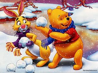 Gambar Winnie The Pooh bermain salju dan teman-teman