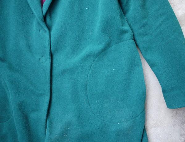 Die Taschen In Der Seitennaht Bestehen Jeweils Aus Einem Taschenbeutelteil,  Das Unter Das Vorderteil Gesteppt Wird   Die Hände Kann Man Hineintun, ...