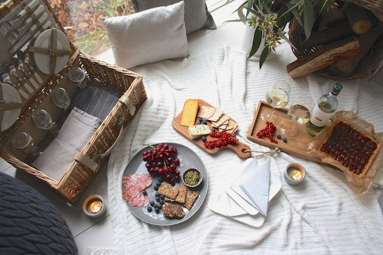 Indoor Picknick indoor picnic get your cosy on avenue lifestyle avenue lifestyle