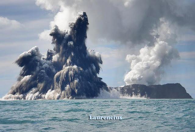 Foto-Letusan-Gunung-Api-Bawah-Laut_2