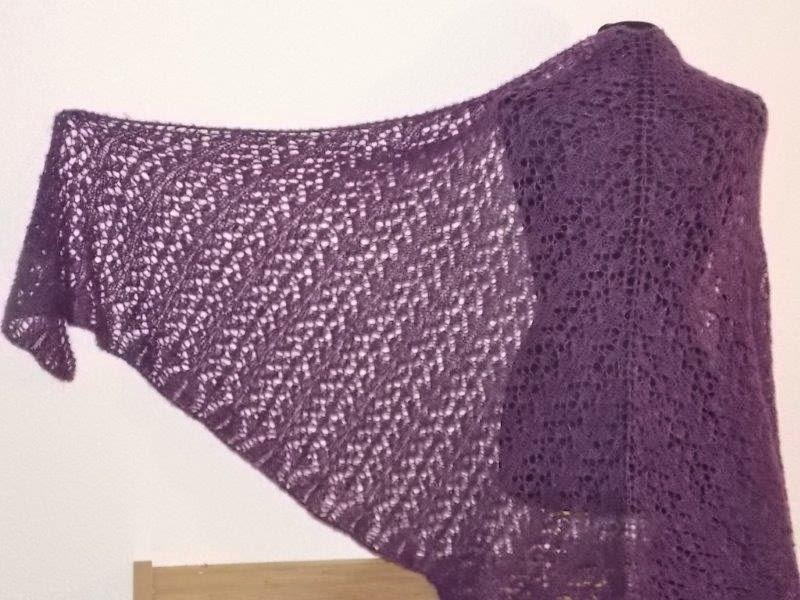 TE KOOP: grote paarse driehoeksjaal