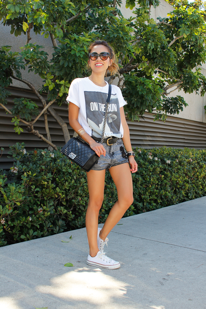 On the Run Concert Tee, Daniel Wellington Classic Sheffield Lady, Chanel Boy Bag, Chuck Taylors, beautybitten