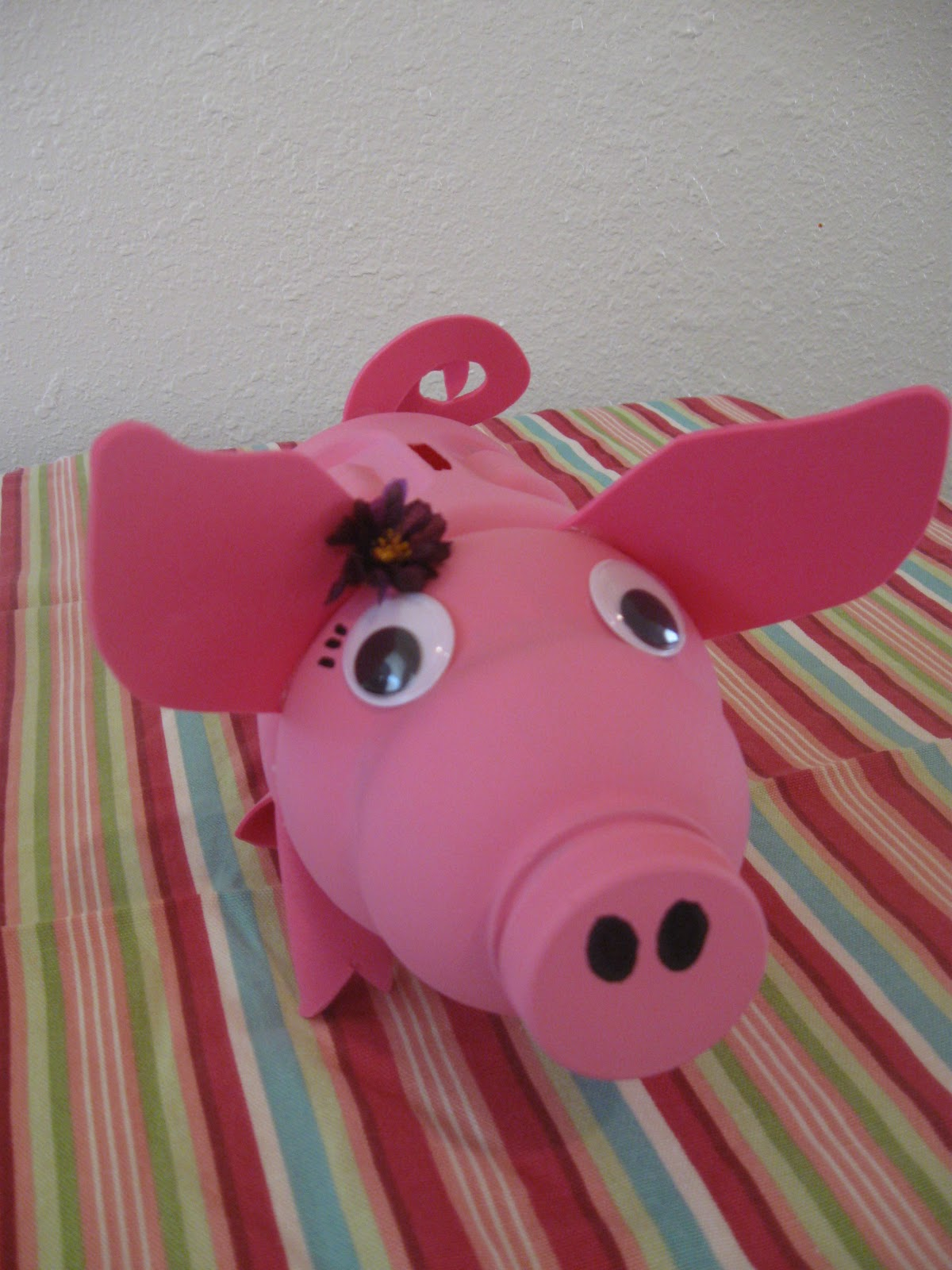 The rehomesteaders recycled piggy bank tutorial for Piggy bank craft