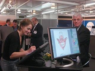 Marion van de Wiel, digital caricaturist live