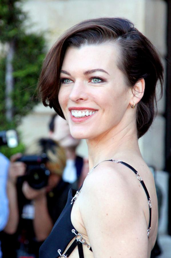 Milla Jovovich Height, Weight And Body Measurements