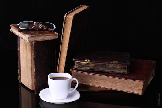 Foto di libri e caffè su vanillasnotes