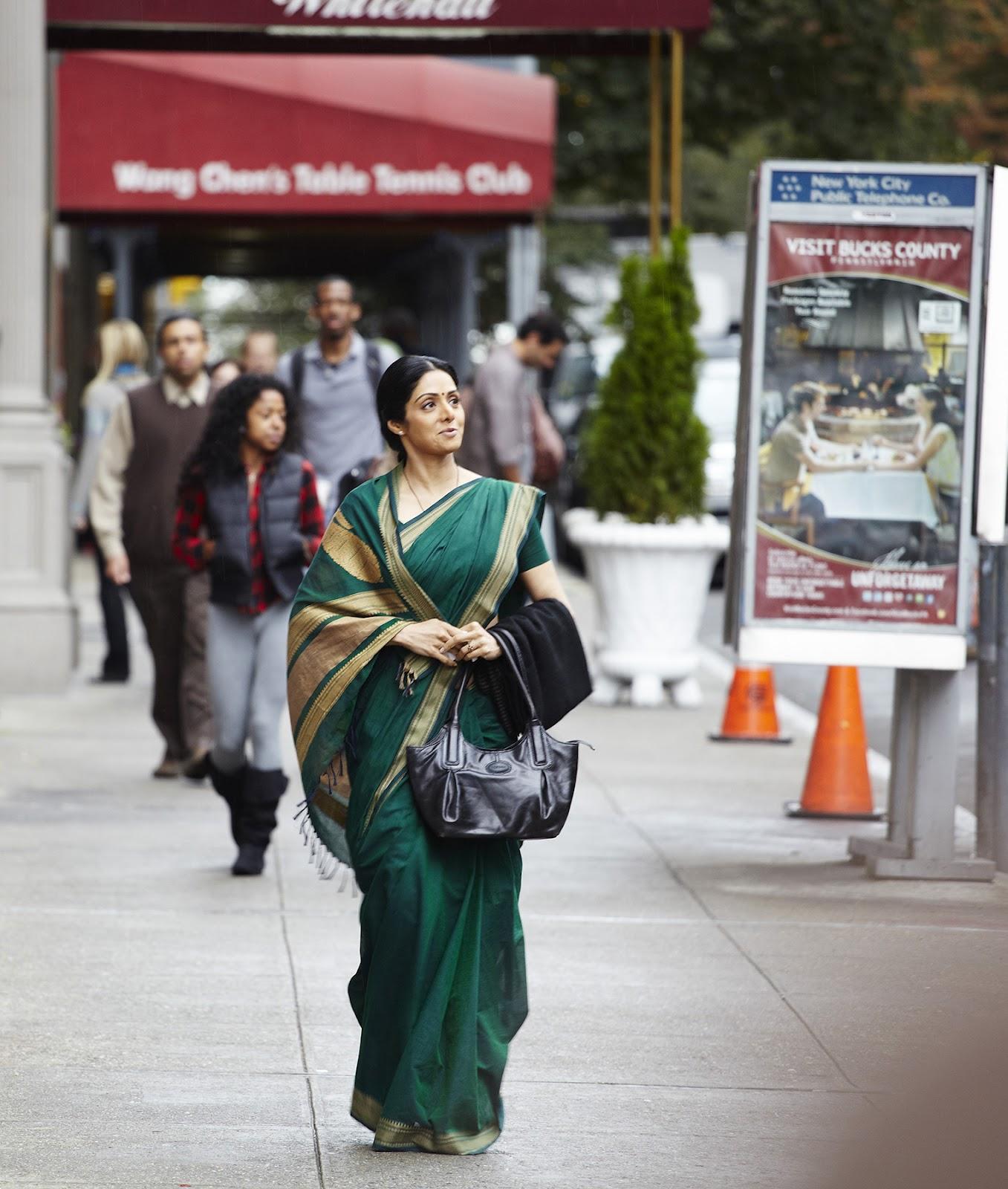6e5b9adc65b Sridevi carrying Hidesign s Arno bag