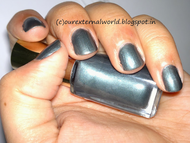 L'Oreal Paris Color Riche Mini-Nail Collection