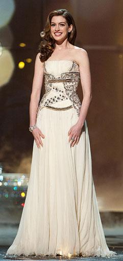 anne hathaway dresses like kid. anne hathaway dresses like kid. Anne Hathaway (one of her many