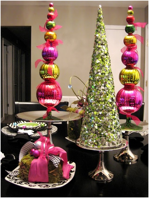 CHRISTMAS CENTERPIECES DINING ROOM DECORATION