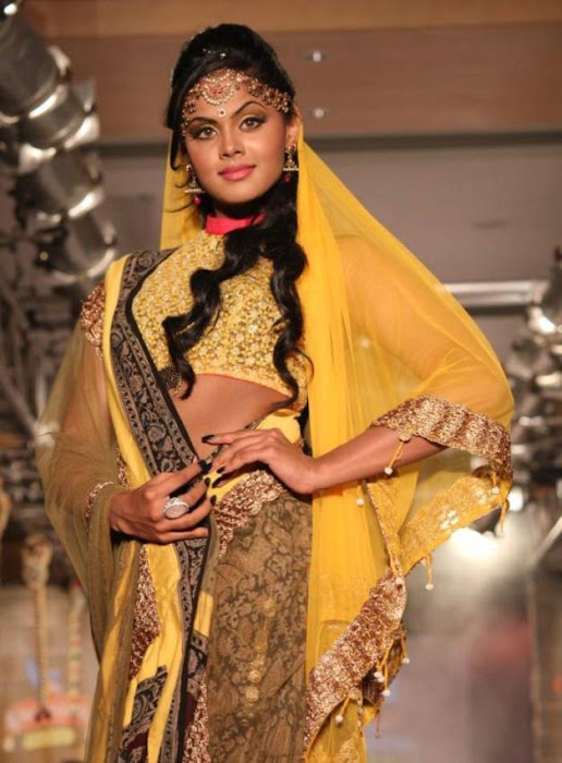 karthika rwalk at cifw 2012