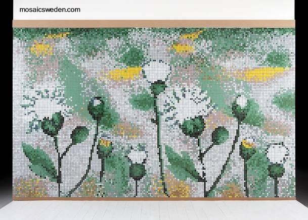 Tinas De Baño Viejas:Mosaico de pequeños azulejos forman flores de verano de Suecia