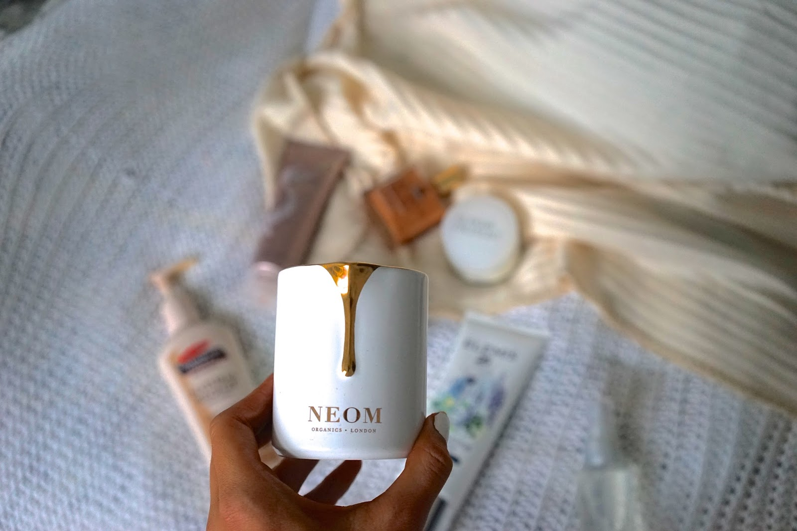 Neom Intense Skin Treatment Candle