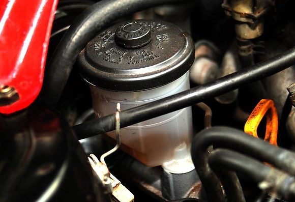 Catat! Lakukan Ini Bila Power Steering Mobil Bocor di ...