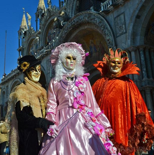 Disfraces en el Carnaval de Venecia, Italia. Foto de Viaja et verba