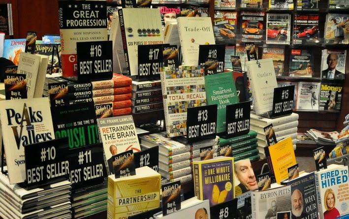 Bestsellers destacados en una libreria