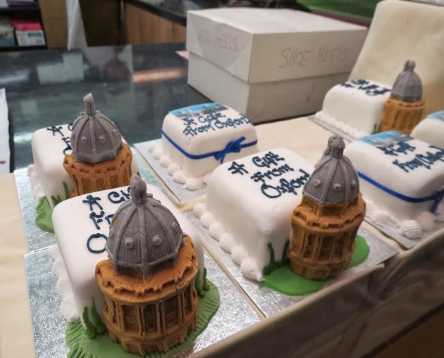 oxford souvenir cake