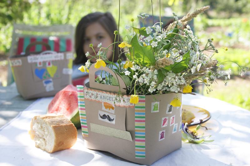 Decorar en familia_Taller de Creactividad: Diy cesta de picnic de cartón15