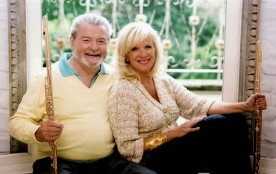 O And F Galway ... , Duo Turkish March. Flautistas Sir James Galway & Lady Jeanne Galway
