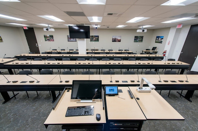 Photo of distance learning classroom in the library.