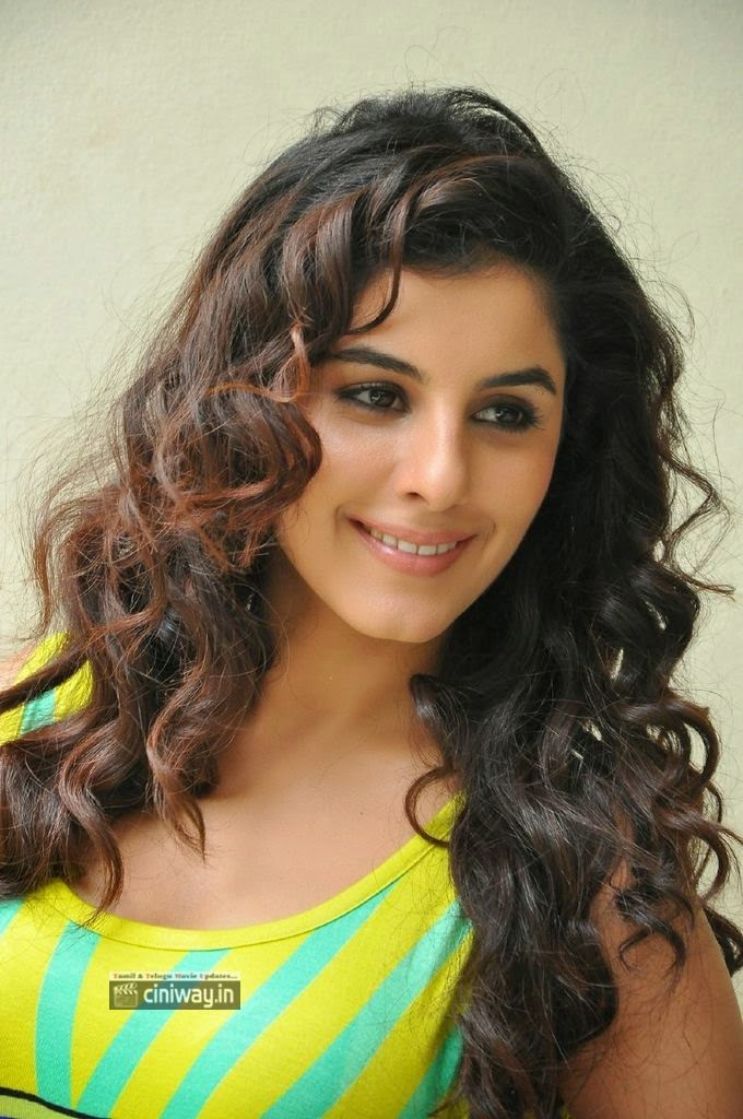 Actress-Isha-Talwar-Stills-at-Maine-Pyar-Kiya-Success-Meet
