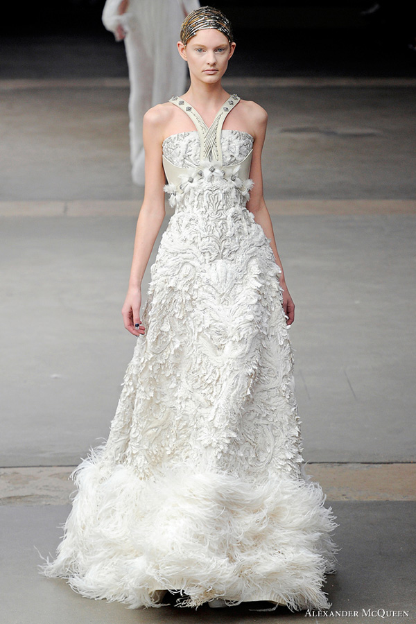 Ronenia 39 s blog mrs green tea 39s diy centerpiece wedding for Where to get my wedding dress cleaned