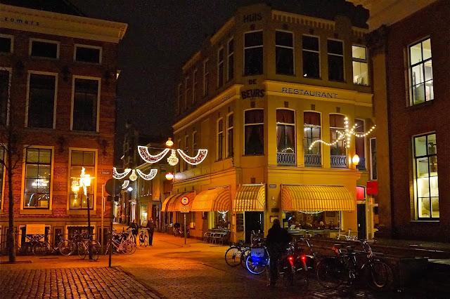 Afbeelding van cafe De Beurs in Groningen.
