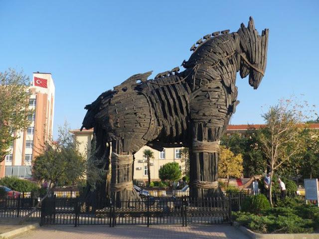 PEPLUM: Trojan Horse replica