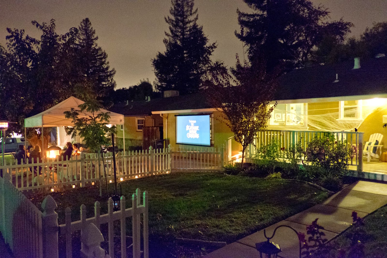 Domestic Fashionista: Community Takes Time: Our Halloween Driveway ...