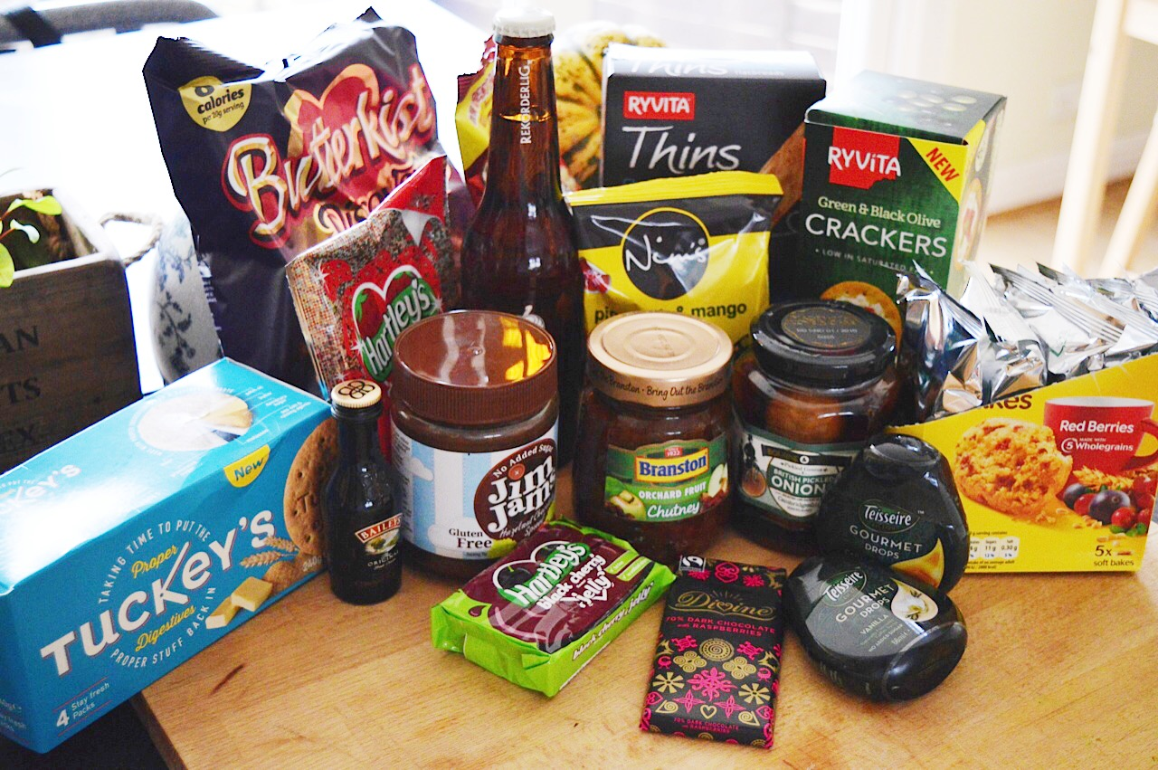 Christmas Degustabox review, food bloggers, FashionFake
