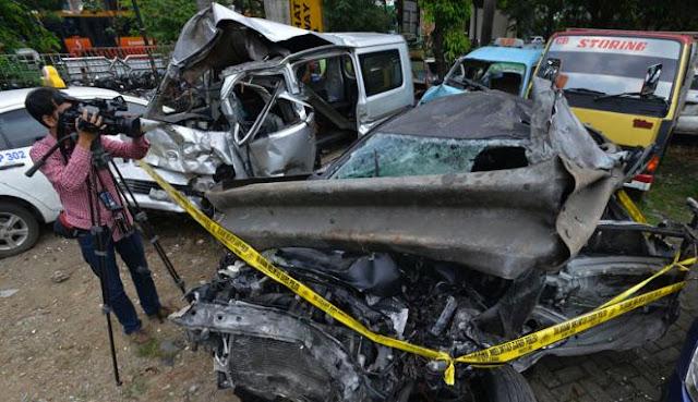 kondisi mobil yang terlibat kecelakaan maut di km 8 tol jagorawi Foto Dul Anak Ahmad Dhani Kecelekaan, dan Foto Mobilnya