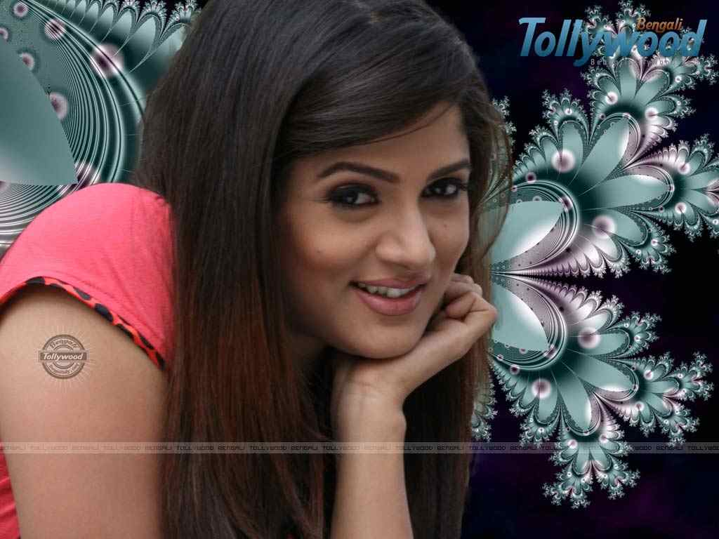http://3.bp.blogspot.com/-IwyfHIr7qsI/ToLMT5mhgxI/AAAAAAAAAOM/Dovj_tQvezk/s1600/toollywood-actress-wallpaper-photos+%25281%2529.jpg