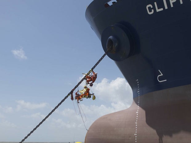 IMAGEM - Greenpeace em protesto no litoral do Maranhão