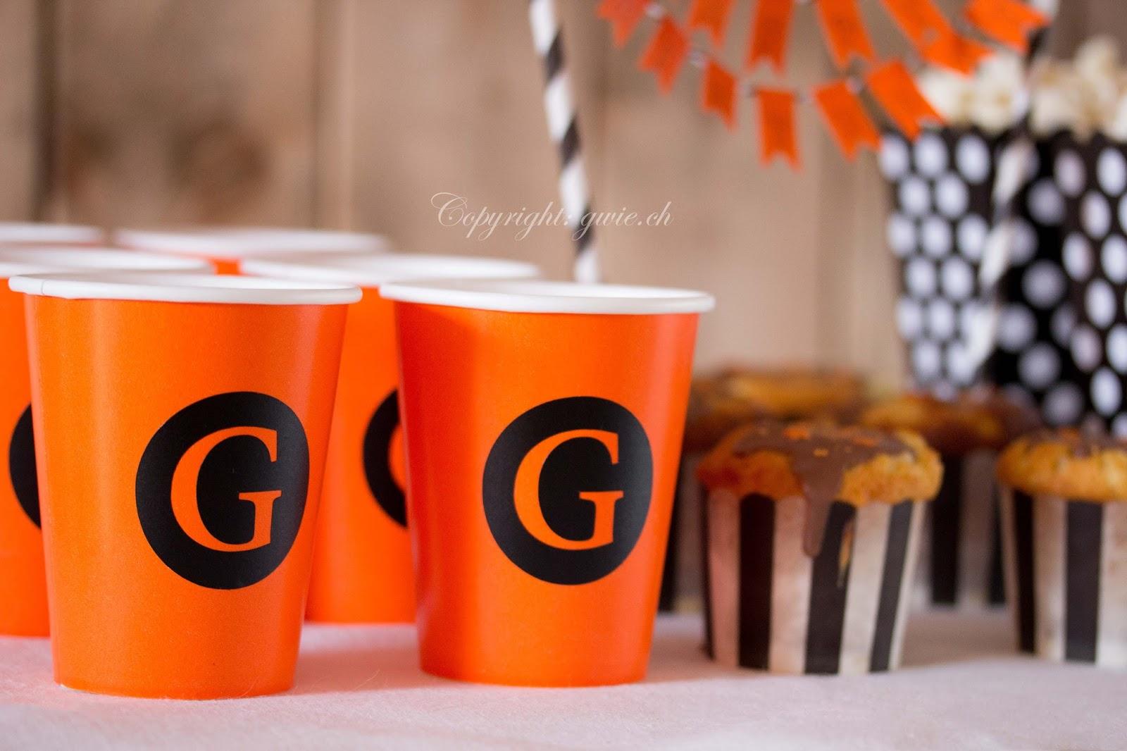 orange becher, orange trinkbecher, papierbecher, sticker für auf becher, sticker für geburtstag,