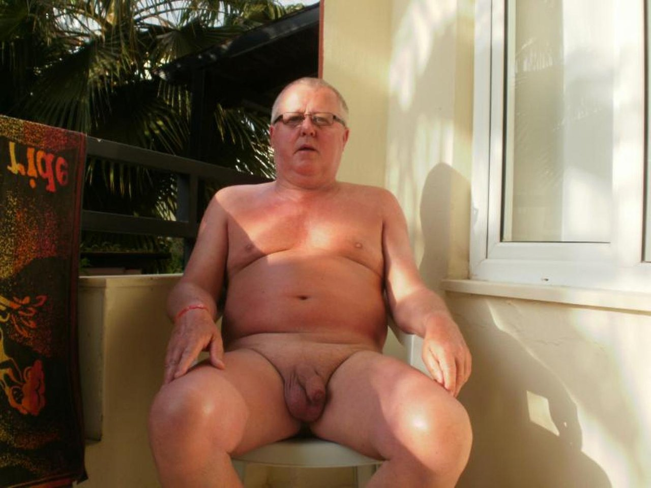 nude gay small cock blowjob outdoors