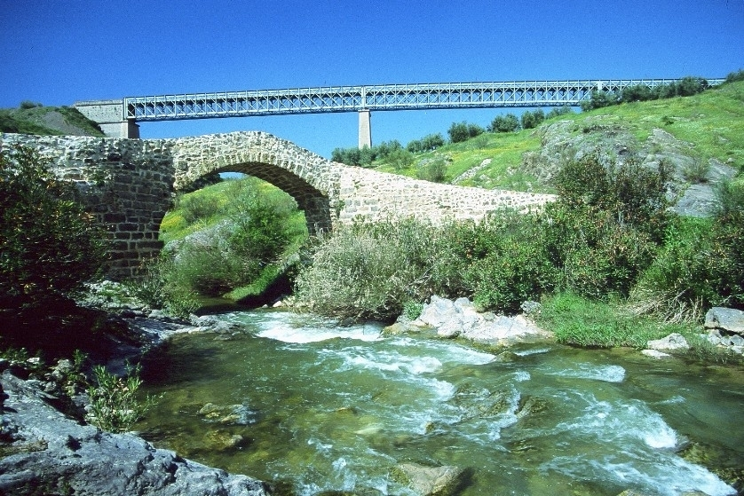Casa alcalde rivera v a verde del aceite territorio de for Caseta guarda bicicletas