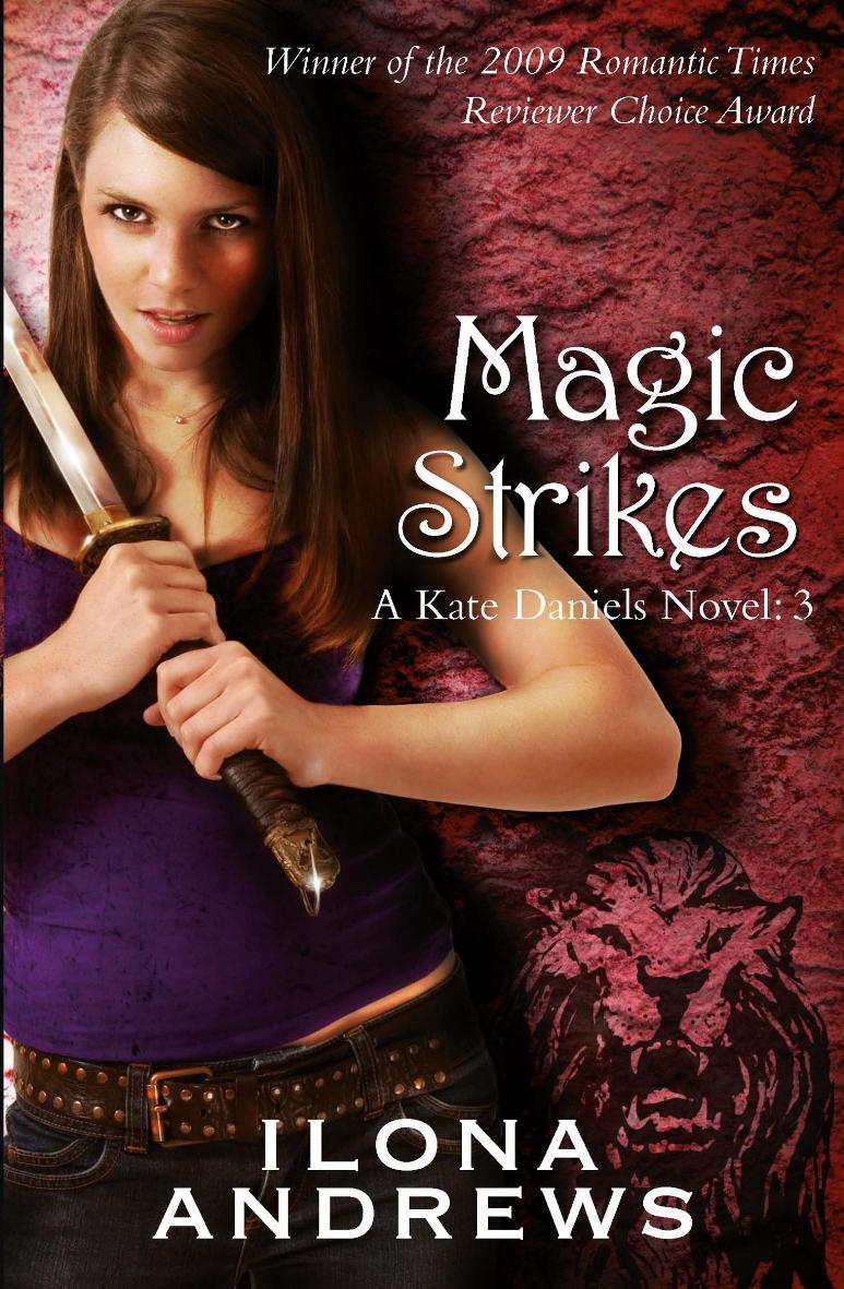 Magic Bleeds: A Kate Daniels Novel, Book 2 by Ilona Andrews (English) Mass Marke