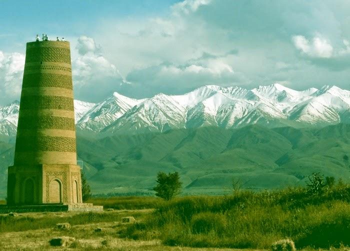 "Иллюстративное фото: башня ""Бурана"" (Кыргызстан, Х век)"