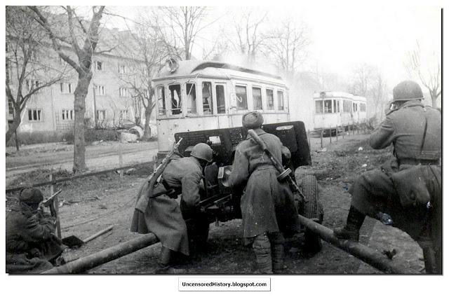 Russian artillery fires streets Koenigsburg