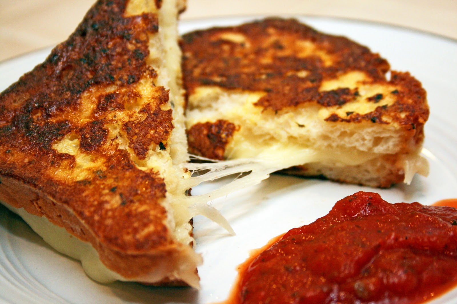 Lazy Gluten Free: Grilled Mozzarella Cheese Sandwiches
