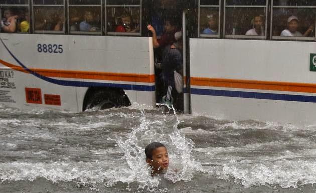 TYPHOON PHILIPPINES 10