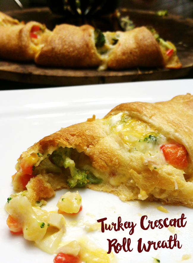 Turkey Crescent Roll Wreath Recipe - Use leftover turkey to make dinner.