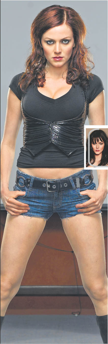 Yana Gupta - Yana Gupta dresses as Tomb Raider