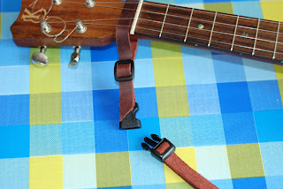 Uke Leash headstock connector