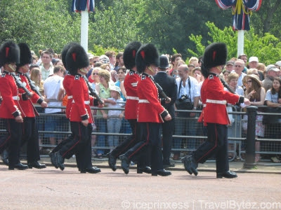 Buckingham Palace Royal Guards marching