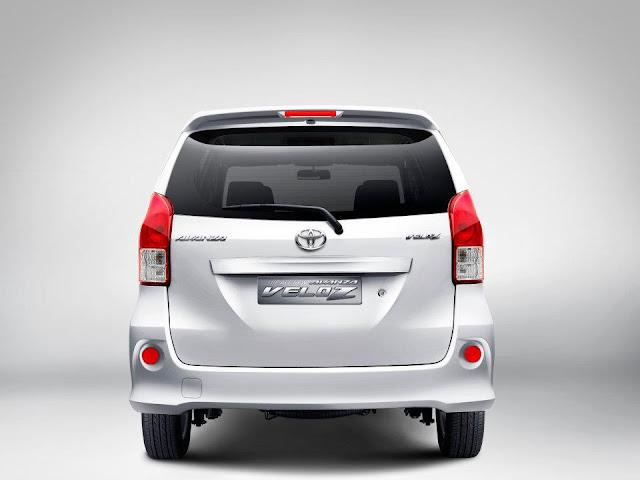 Toyota Avanza Veloz Belakang